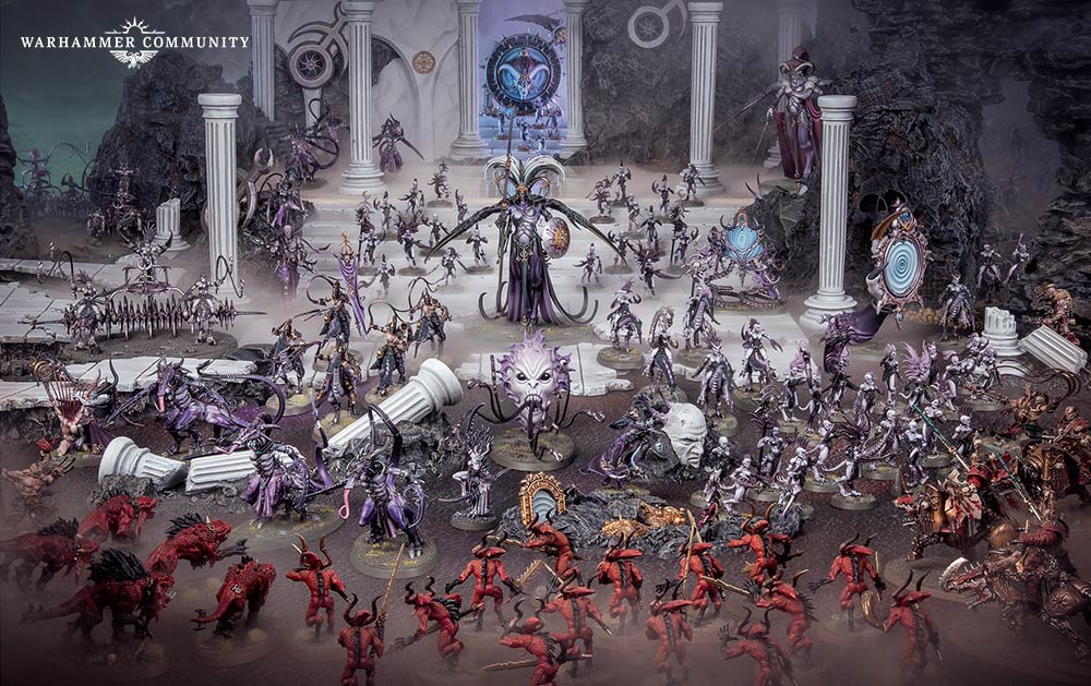 Official Games Workshop promotional image of Slannesh army. Red Khorne daemons in foreground